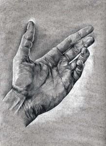 Mano dibujada a lápiz sobre papel con base de carboncillo. Nathalie Rey.