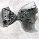 Bolsa de papel dibujada con lápiz de grafito sobre papel con base de carboncillo por Patricia Diz